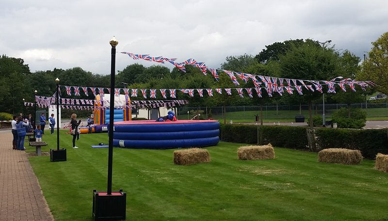 BUNTING STANDS
